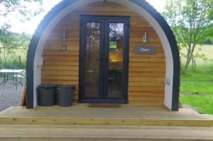 thumb deer front view - Glamping North East